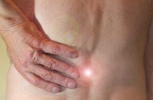Rwa kulszowa – Przyczyny, objawy, leczenie i rehabilitacja
