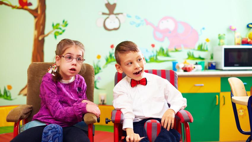 Mózgowe porażenie dziecięce - przyczyny, objawy i rehabilitacja
