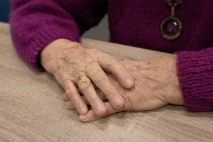 Reumatoidalne zapalenie stawów (RZS) – przyczyny, objawy i leczenie