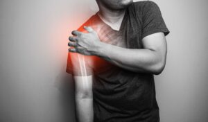 Ciasnota podbarkowa – źródła, objawy i leczenie